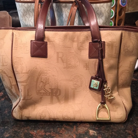 2d11b6463c94 Huge Ralph Lauren equestrian shoulder bag. M 5b637d46d6716aa8a470117b